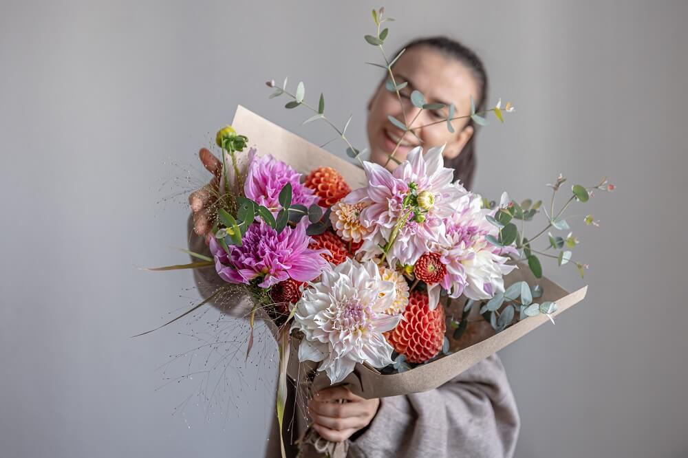 משלוחי פרחים ומתוקים השילוב המושלם